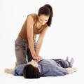 První pomoc – masáž srdce